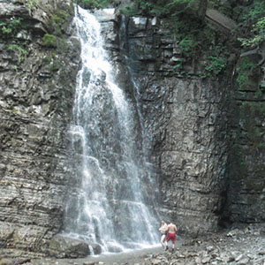 Одноденна екскурсія «До Княжих святинь та Манявського водоспаду»