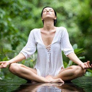 Безкоштовне заняття з йоги на природі