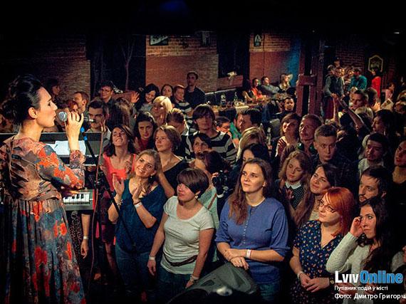 Фото з концерту гурту Крихітка
