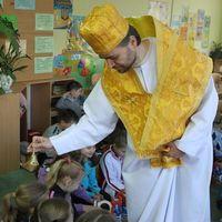 Театральна студія мистецького центру «Фора» запрошує дітей та дорослих на відкриту виставу «Любов творить дива, або подарунок для св.Миколая»