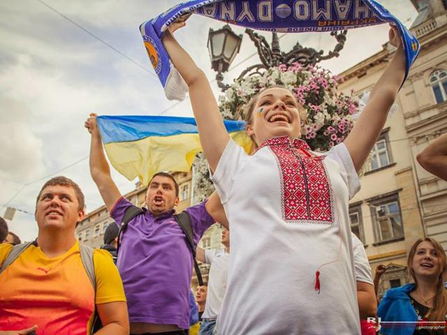 Слава нації! Фото з маршу Єдності у Львові