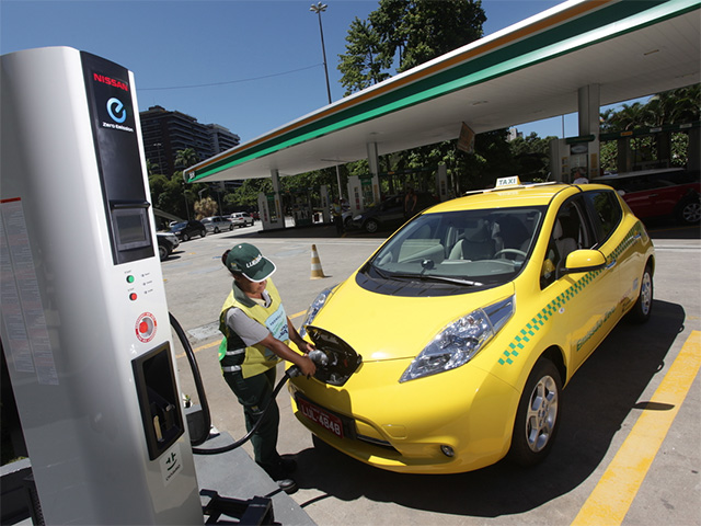 У Львові з'являться електричні таксі