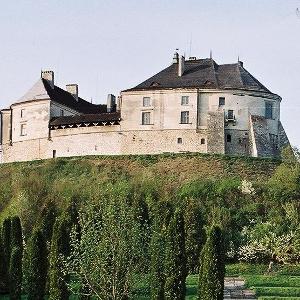 Екскурсія-тур «Золота Підкова + Замок мушкетерів»