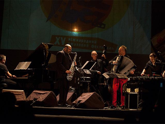 Фото з концерту JazzBez