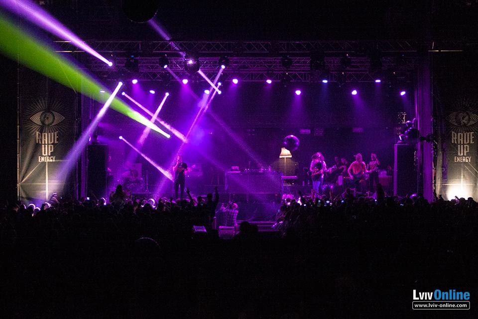 Фото з львівського концерту Макса Коржа «Большой flat 2»