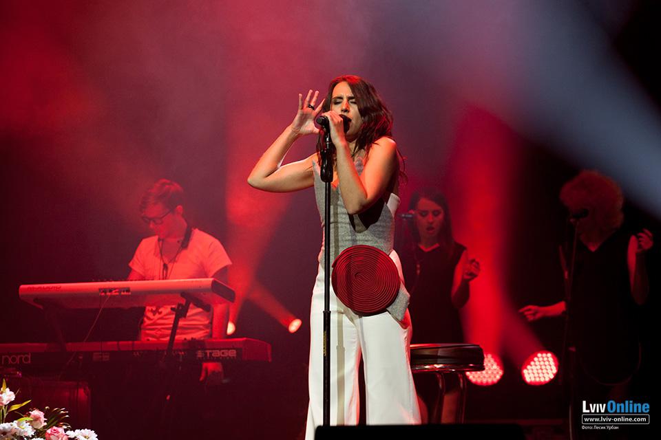 Фото з концерту Джамали