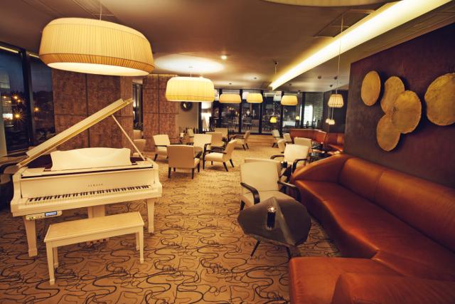 Bellini`s Piano Bar & Grill