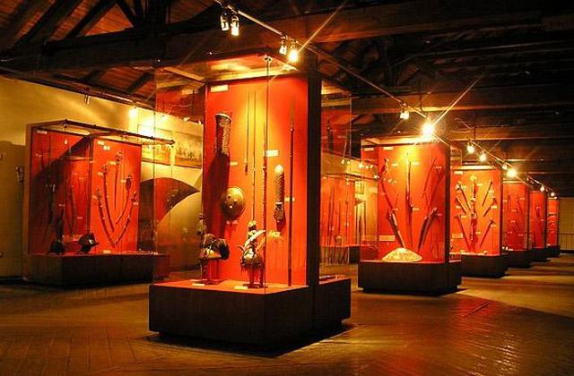 Музей зброї «Арсенал» знаходиться у будівлі