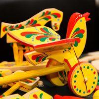 Виставка яворівської іграшки «Грайтеся, посміхайтеся, забавляйтеся…»