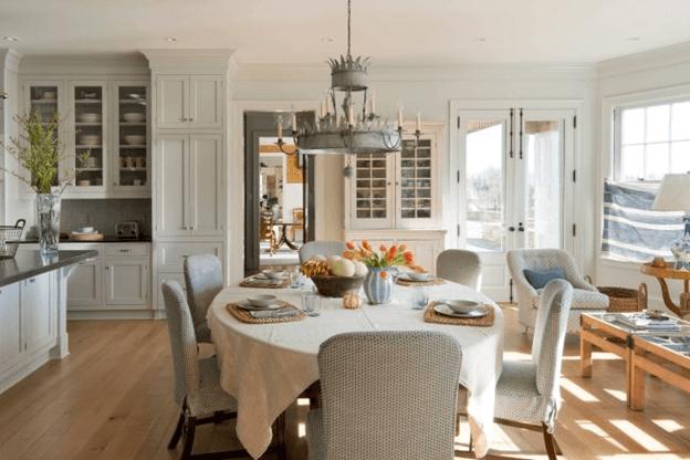 Який стіл краще – круглий чи квадратний?