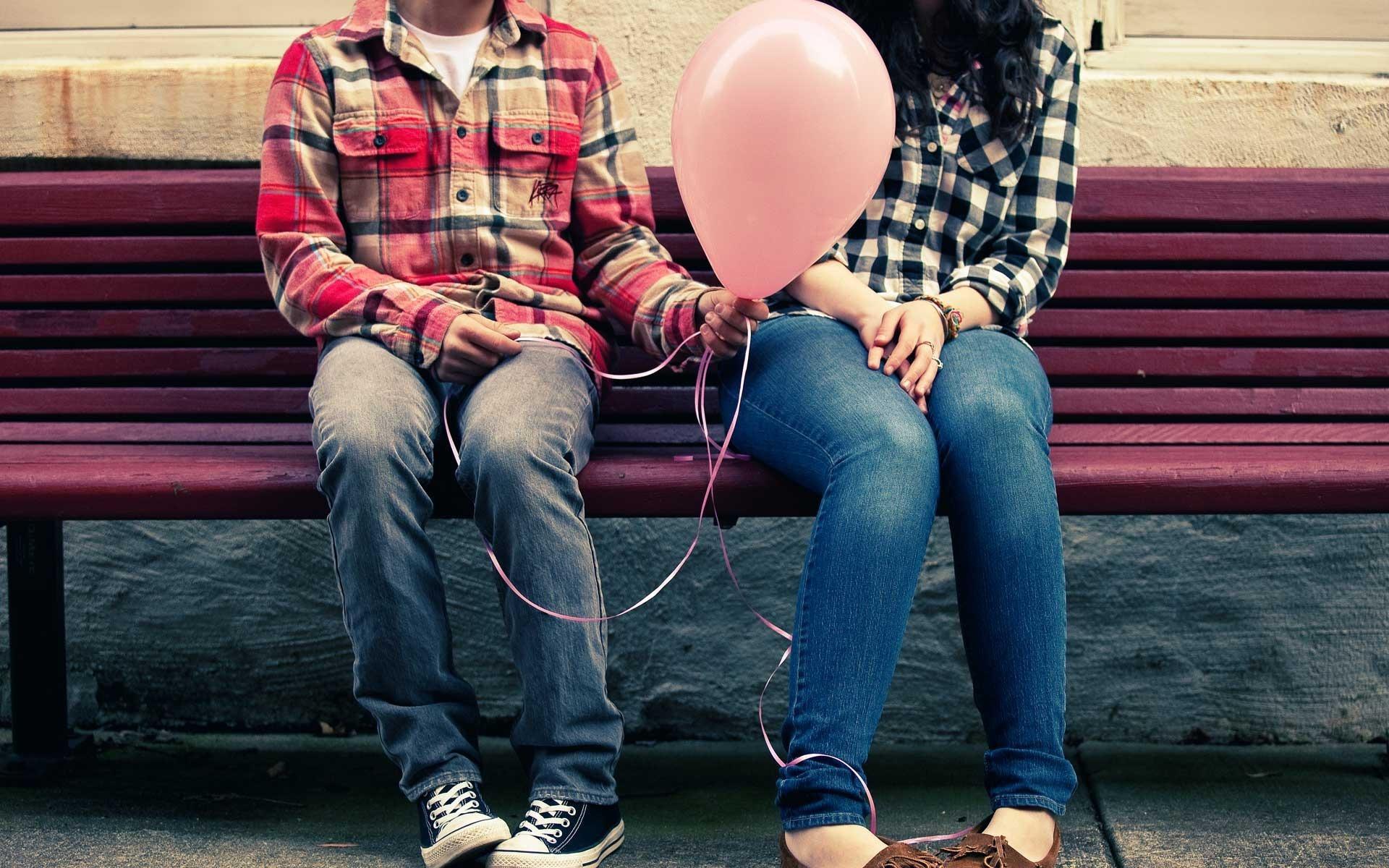 Що розказати підліткам про секс і презервативи